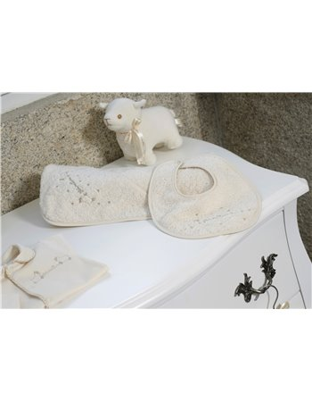 13243- Toalha com bordado ovelinhas